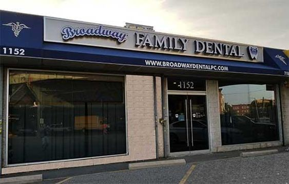 Family dentist office in Brooklyn NY