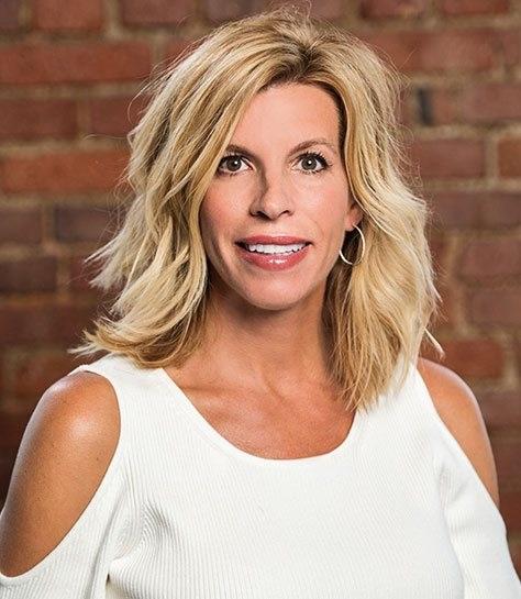 Dentist Niki Cochran of Lakewood Ohio